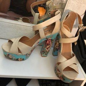 Spring floral platform heel